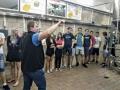 exkurze v pivovaru: studenti sledují cestu piva z varny do kvasných kádí