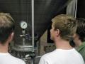 exkurze v pivovaru: studenti se seznamují s regulací kvasných procesů