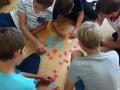Pobyt nasich zaku v Nemecku: zaci hraji deskove hry