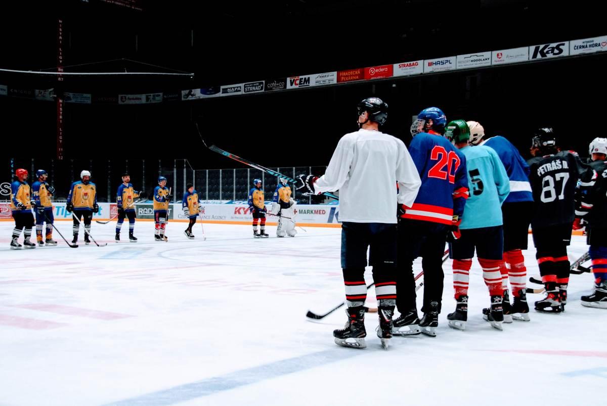 hokej_maturanti_ucitele02