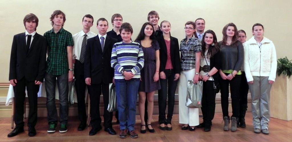 Z naši školy bylo oceněno 21 žáků nižšího a 12 žáků vyššího gymnázia.