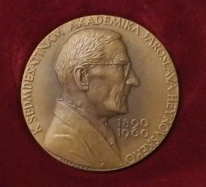 cena Nadačního fondu J. Heyrovského